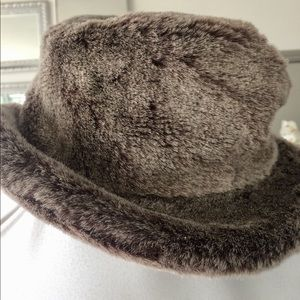 Liz Claiborne Brown Beige Faux Fur Yum Bucket Hat